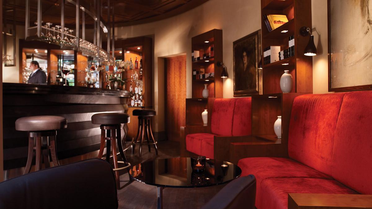 Rocco Forte The Charles Munich bar