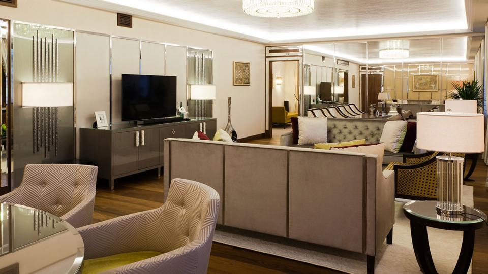 Marriott Royal Aurora Hotel Moskau livingroom