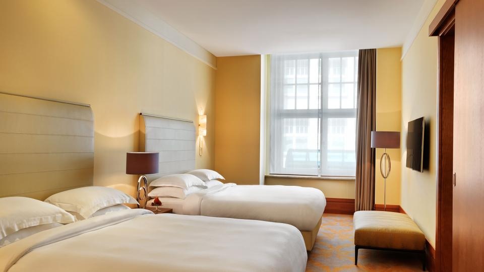 Park Hyatt Hamburg park suite bedroom