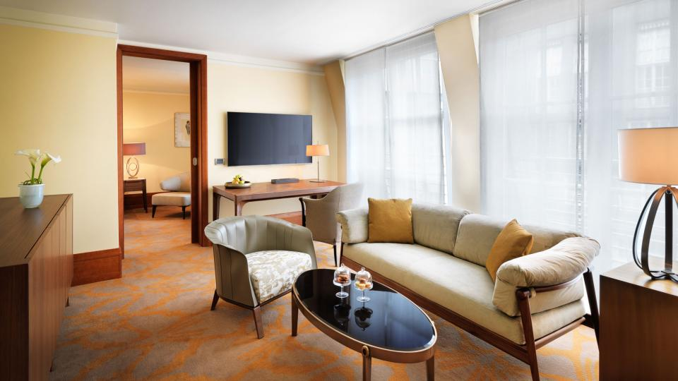 Park Hyatt Hamburg park suite living room