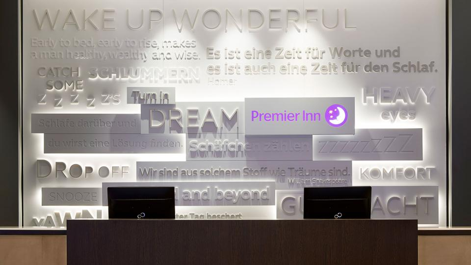 Premier Inn Frankfurt reception
