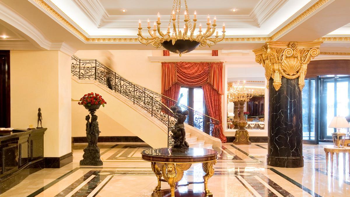 Ritz Carlton Moskau entry hall