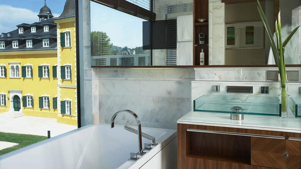 Schlosshotel Velden bathroom